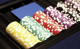 Moments in casino – details of gaming of roulette and poker